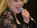singer-495544_1280